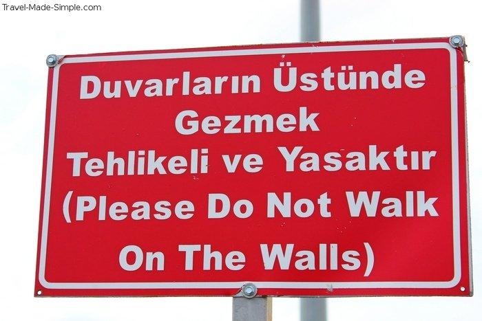 fear of not speaking the language - Izmir sign - in Turkish and English