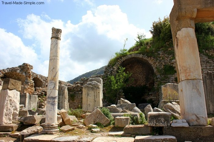 advantages of taking a tour - Ephesus ruins, Turkey