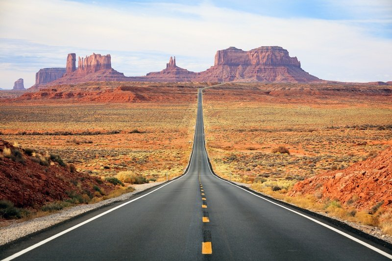 road to Monument Valley - ultimate guide to planning the best campervan road trip in the southwestern USA