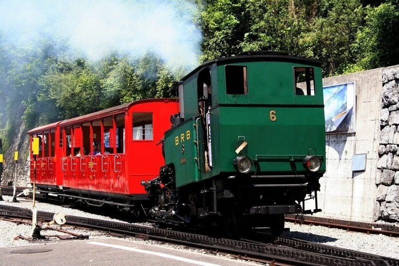 5 days in Switzerland itinerary Bernese Oberland Brienz Rothornbahn