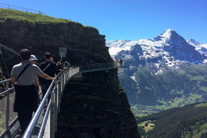 5 days in Switzerland itinerary Bernese Oberland First Cliff Walk