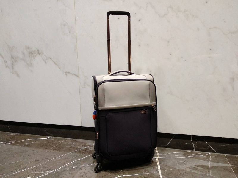 best carry on sized suitcases Samsonite