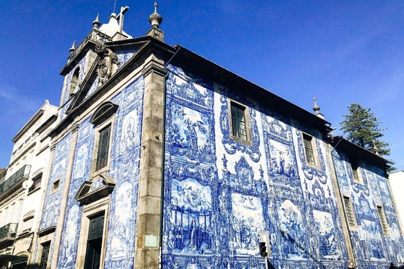 itinerary for one day in Porto - Capela das Almas - Chapel of Souls