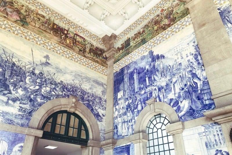 what to do in Porto - Sao Bento Train station